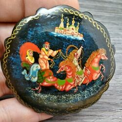 MAMAS ESTATE VINTAGE RUSSIAN PAINTED LACQUERED WOOD BROOCH PIN LOT#V3-18