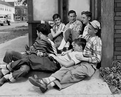 Vintage Rare Photo Affectionate Gay Teens Hanging Out Chicago 1950s Gay Int