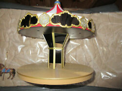 2004 Carousel Ride Display vintage moves with sounds with 2 ornaments wall area $29.99