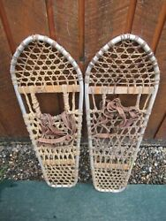 GREAT VINTAGE SNOWSHOES 30quot; Long x 10quot; Wide Leather Bindings DECORATION $39.96