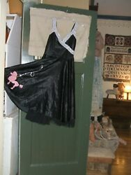 LADIES CutE HALLOWEEN DRESS WITH PINK POODLE: SIZE 11 $12.95