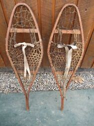 GREAT VINTAGE Snowshoes 32quot; Long x 10quot; with Bindings For DECORATION $49.47