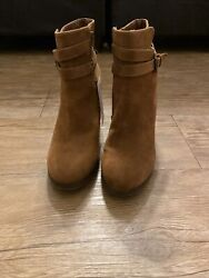 womens boots size 8 new $24.00