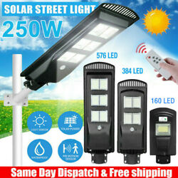150 160 250W Commercial Solar Street Lights Dust to Dawn Outdoor Area Road Lamp