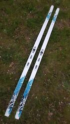 Fischer 184cm cross country xc skis w NNN T3 bindings excellent condition. $79.95