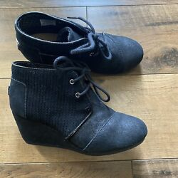 TOM#x27;S Black Suede Leather Lace Up Wedge Heel Ankle Boots Booties Size 6 $29.99