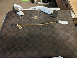 COACH TOTE HANDBAG LARGE WITH ZIPPER CLOSURE BRAND NEW WITH ALL ORIGINAL TAGS $125.00
