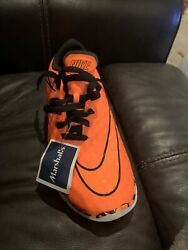 NEW. Nike Better World shoes Orange and Black White Size 5.5Y. Skull. Very Cool. $45.00