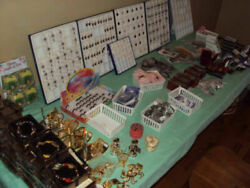 Lot of Mixed 1500 Pieces of Costume Jewelry Ideal for flea markets