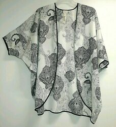 Chicos Size L XL Cover Up Cape White Black Polyester $12.00