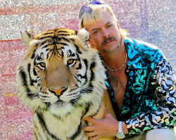 TIGER KING JOE EXOTIC GLOSSY POSTER PICTURE PHOTO CRIMINAL ZOO OPERATOR ANIMALS $2.99
