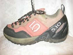 5.10 FIVE TEN HIKING WOMEN#x27;S SHOES BLACK RED LEATHER SIZE 6.5 $11.00