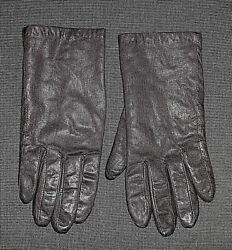 ISOTONER BLACK LEATHER DRIVING GLOVES WOMENS SIZE MEDIUM $9.99