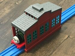 2004 Tomy Thomas Tidmouth Sheds Train Depot Wall for blue track railroad $12.00