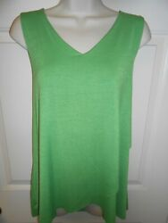 🔥 Cute Women#x27;s Attitudes by Renee size M Green V Neck layered sleeveless Top AC