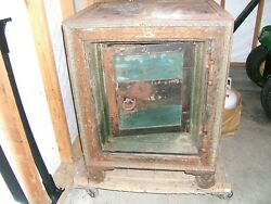 1850#x27;s 1860#x27;s TILTON amp; McFARLANE ANTIQUE FLOOR SAFE $400.00