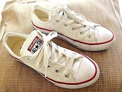 CONVERSE ALL STAR Kids White Low Sneakers. Size 1 $15.00