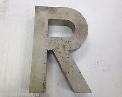 Letter R 18 in Cast Aluminum for Commercial Signs and Plaques