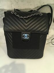 2017 NWT CHANEL LEATHER LAMBSKIN BLACK CHEVRON SILVER HDW BACKPACK BAG Large
