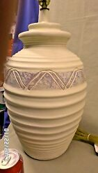 856D Vtg 80#x27;s Southwestern 29quot; Pottery Table Lamp Ivory w A Blue amp; Purple Band $49.55