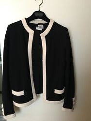 Authentic Classic Chanel Black and white Cashmere Twin Set Size 42