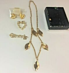 Lot of Gorgeous Vintage Gold Tone Jewelry 5 Pieces Earrings - Necklace - Pins