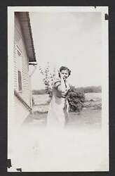 HAND GESTURE THUMB NOSE FINGERS UP TONGUE OUT OLDVINTAGE PHOTO SNAPSHOT- T272