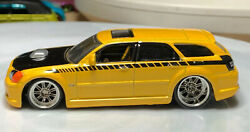 Jada Big Time Muscle 2006 Dodge Magnum RT Yellow 164 Real Riders Diecast Wagon