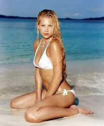 Anna Kournikova Sitting In Bikini On The Beach 8x10 Picture Celebrity Print $3.99