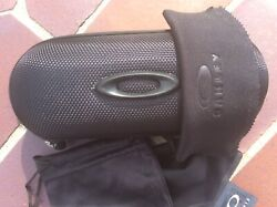 Brand new Oakley Small Eyeglasses Hard Case w cleaning cloth and dust bag $11.99