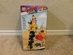 New Lego WB The Lego Movie 2 Emmet's Thricycle! 174 pieces building toy set $5.00