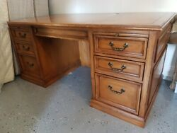 SOLID WOOD TRADITIONAL DESK $199.99
