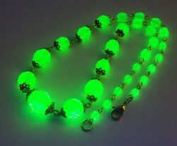 Czech faceted green uranium graduated choker glass bead necklace. vaseline 15.7quot; $29.99
