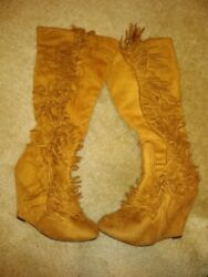 womens boots size 8 brown $17.00