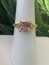 Ring Bomb Party Size 6 Pink And White Topaz Ring $19.00