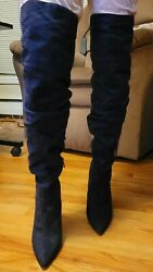 Womens boots size 8 $41.00
