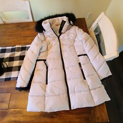 Guess Pearl Winter Parka Size Large NWOT $75.00