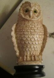 HAEGER OWL 12quot; High plus 2quot; wood Base with Label White w Tan Feathers $110.00