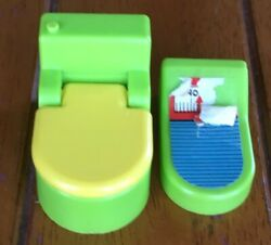 Vintage Little People Fisher Price Bathroom Toliet Scale Green Yellow $5.00