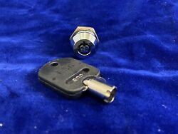 Commercial Key Lock Greenwald ESD 800 Washer Dryer Laundry Machine GR