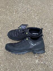 Salewa Moutain Trainer 2 Black black Size 11 Men's Hiking Approach Shoe