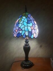 Tiffany StyleTable Lamp Stained Glass Lighted Artwork $139.00