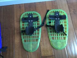 L.L. Bean 16quot; Youth SNOWSHOES LITTLE BEAR GRIZZLY Up to 9quot; Shoe Age 5 12 Green $20.00