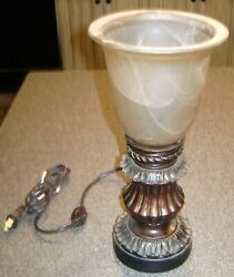 DECORATIVE TABLE LAMP ON OFF SWITCH ON CORD $9.99