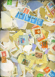 4000 MIXED WORLD STAMPS ON PAPER $19.60