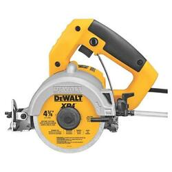 DEWALT 4-38 In ELECTRIC WETDRY CONCRETE TILE SAW and BLADE 10.8 AMP DWC860W