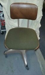 vintage desk chair $15.00