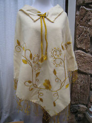 Vintage Industrias Tipicas Cream Lana Wool Embroidered Hippie Blanket Poncho