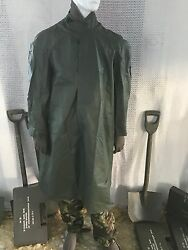 vintage (new)medium size green army coatponcho caperain poncho modwater proof