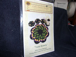 Viola Beauty  wool applique penny rug candle mat & mug rugs pattern